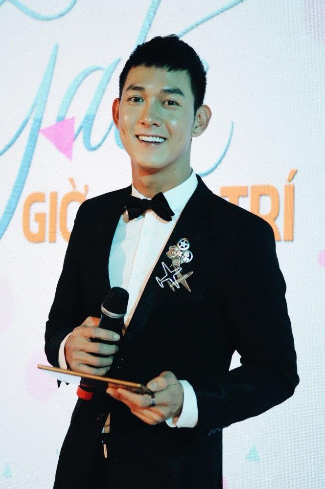 """BTV Quỳnh Chi khen ngợi """"soái ca"""" """"Hậu duệ mặt trời"""" lần đầu làm MC - Ảnh 1."""