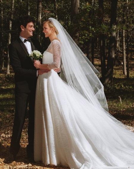 Nhìn lại những đám cưới ngọt ngào nhất làng giải trí trong năm qua - Ảnh 3.
