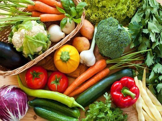 Ăn nhiều rau xanh, trái cây giúp phòng ngừa suy thận