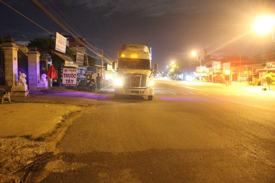 Đuổi theo 3km chặn xe container gây tai nạn chết người - Ảnh 2.