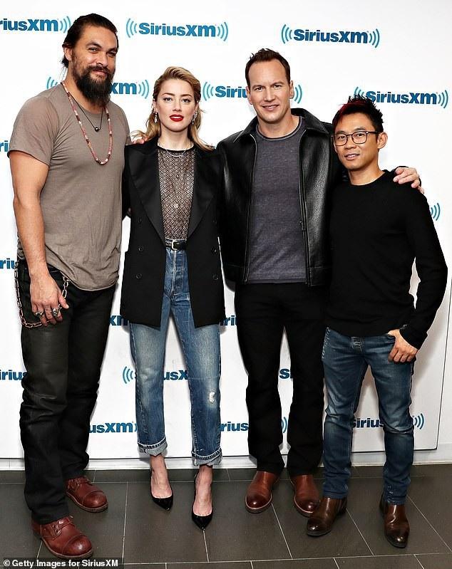 Amber Heard đóng cùng nam diễn viên Jason Momoa trong phim mới. Hai diễn viên chính của phim tham dự nhiều buổi họp báo và trả lời phỏng vấn thời gian này