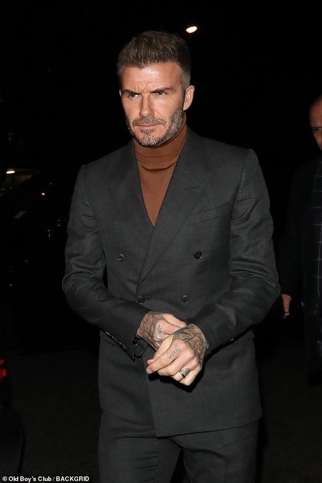 David Beckham vẫn rất điển trai và phong độ ở tuổi 43