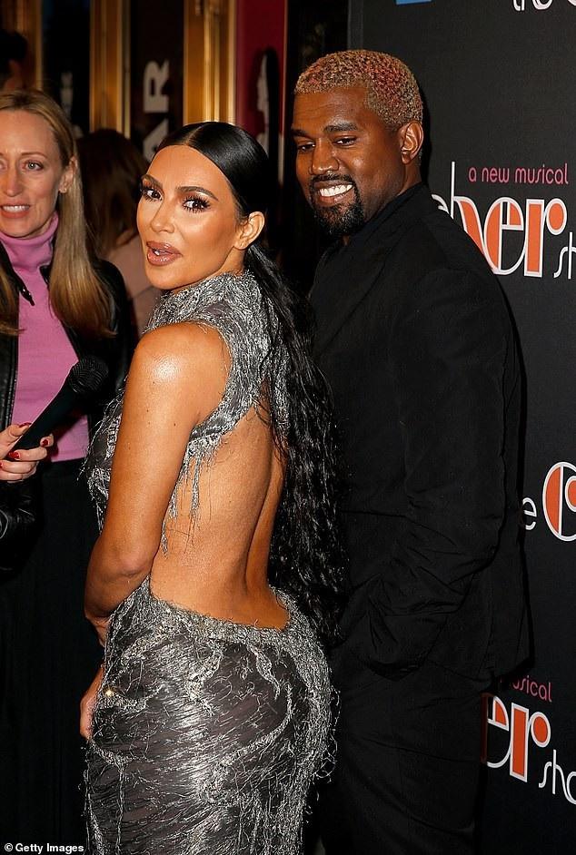 Kim Kardashian và Kanye West sánh đôi đi xem nhạc kịch tại New York ngày 3/12 vừa qua