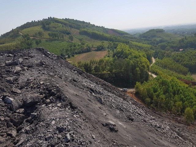 Núi phế thải quái dị của Công ty cổ phần khoáng sản Bắc Giang được kết luận là sản phẩm của hành vi vi phạm pháp luật.