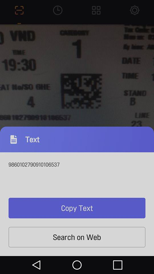 """""""Khi quét thì sẽ có 1 dãy số hiện ra và yêu cầu gửi về mail để xác nhận. Nếu số seri ở ngay dưới số ghế ngồi hiện ra mà trùng thì là vé thật"""