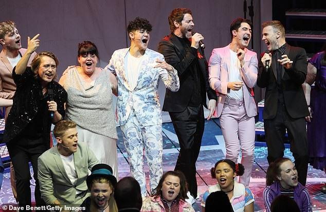 Các thành viên của Take That đã cùng có mặt để cổ vũ dàn diễn viên.
