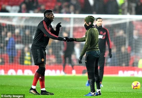 Pobga nói chuyện với đồng hương Lacazette, tiền đạo của Arsenal từng có vài trận được triệu tập vào tuyển Pháp nhưng do phong độ không ổn định nên anh đã không được dự World Cup 2018 vừa qua
