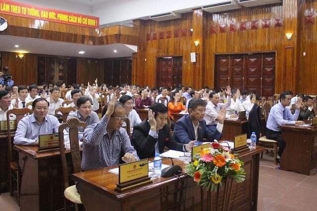 Quảng Bình tổ chức lấy phiếu tín nhiệm các chức danh chủ chốt.