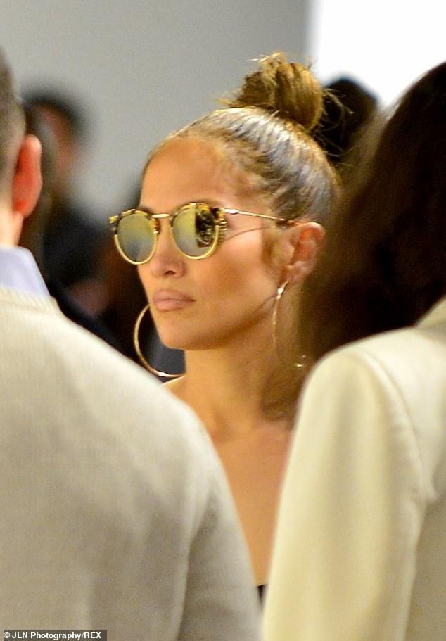 Jennifer Lopez xinh đẹp và trẻ trung hơn nhiều so với tuổi thật