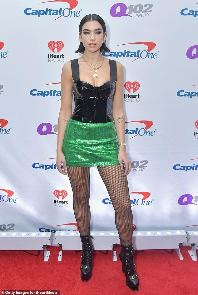Dua bắt đầu phát triển sự nghiệp bằng việc trình diễn cho Bruno Mars, cô chia sẻ việc biểu diễn mở màn cho các nghệ sỹ nổi tiếng thực sự rất thú vị