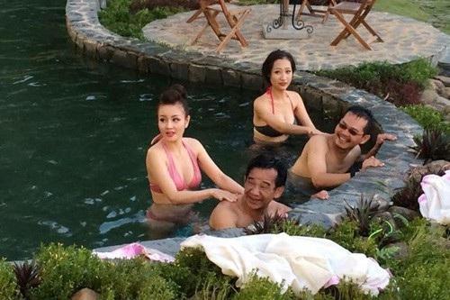 Cảnh của NSND Trung Hiếu, NSƯT Quang Tèo trong hài tết từng gây tranh cãi.