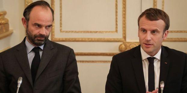 Tổng thống Emmanuel Macron (phải) và Thủ tướng douard Philippe (Ảnh: AFP)