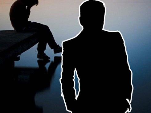 Tình trạng quấy rối tình dục có thể diễn ra ở ngay nơi làm việc. (Ảnh minh họa)