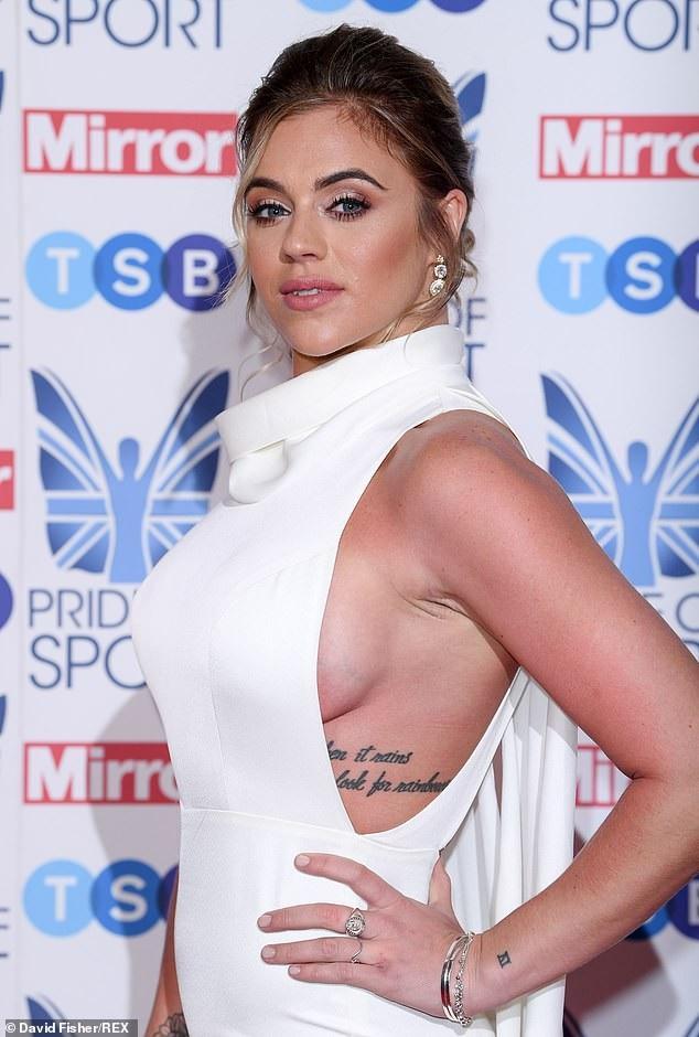 Laura Crane đẹp tinh tế và gợi cảm trên thảm đỏ lễ trao giải thể thao diễn ra ở London, Anh quốc ngày 6/12 vừa qua