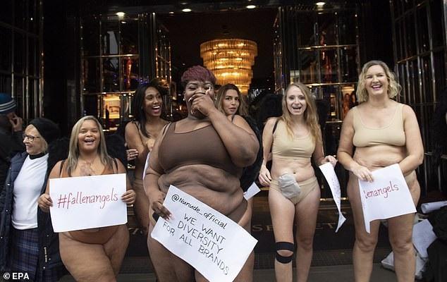 """Phụ nữ """"ngoại cỡ"""" xuất hiện trước cửa hiệu nội y đòi """"vẻ đẹp đa dạng"""" - 7"""