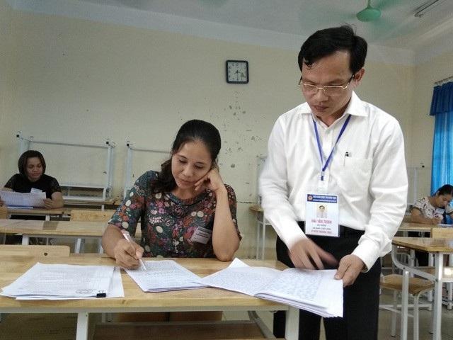 Cục trưởng Cục Quản lý Chất lượng (Bộ GD-ĐT) Mai Văn Trinh kiểm tra công tác chấm thi năm 2018