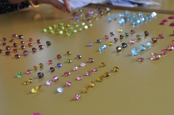 Tròn mắt ngắm những viên đá tiền tỷ tại phiên chợ tạm ở Yên Bái - 2