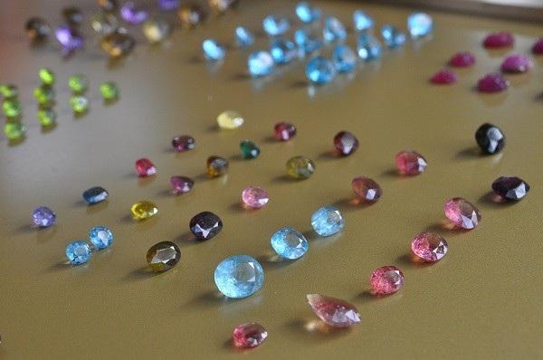 Tròn mắt ngắm những viên đá tiền tỷ tại phiên chợ tạm ở Yên Bái - 3