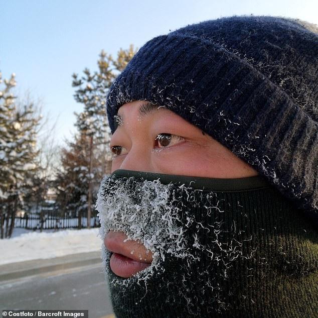 Thời tiết lạnh giá làm xuất hiện tình trạng sương mù đóng băng (Ảnh: Costfoto)
