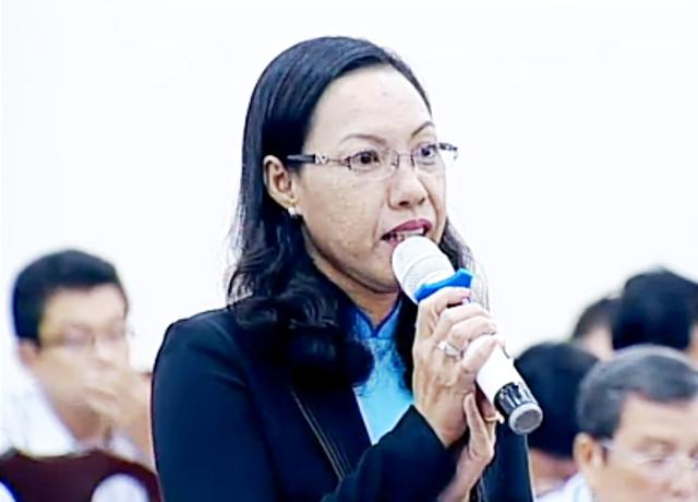 Đại biểu Trần Thi Huỳnh Dao băn khoăn:Một vấn đề nhưng có 2 câu trả lời khác nhau.