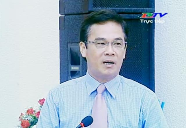 Ông Lưu Hoàng Ly- Chủ tịch UBND TP Bạc Liêu thừa ủy quyền của UBND tỉnh trả lời chất vấn.