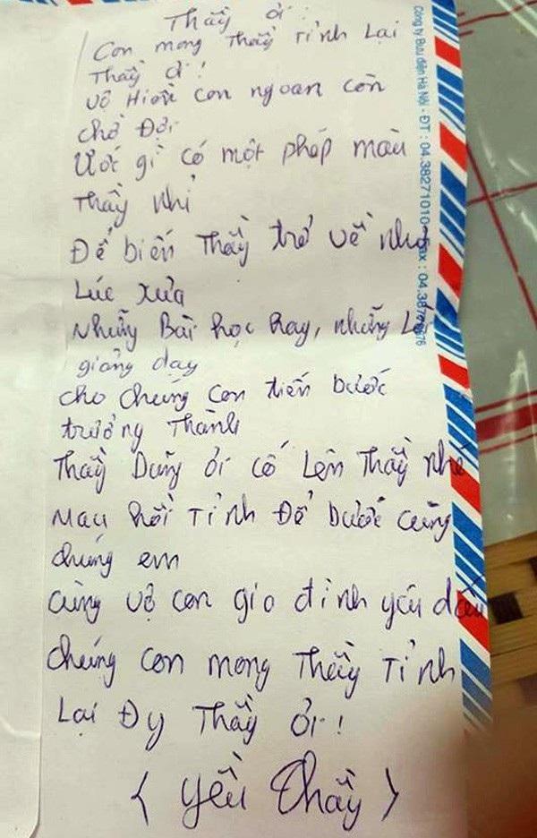 Nhiều học sinh không ra bệnh viện trực tiếp sẻ chia, còn gửi thư làm thơ nguyện cầu cho thầy giáo yêu quý của mình tỉnh lại.