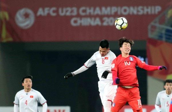 HLV Park Hang Seo yêu cầu các học trò tập chống bóng bổng
