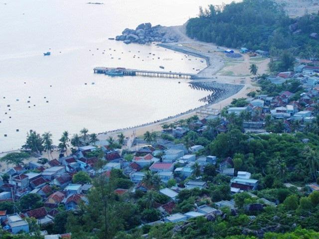 Một góc xã đảo Nhơn Châu (TP Quy Nhơn, Bình Định)- đảo có vị trí chiến lược quốc phòng.