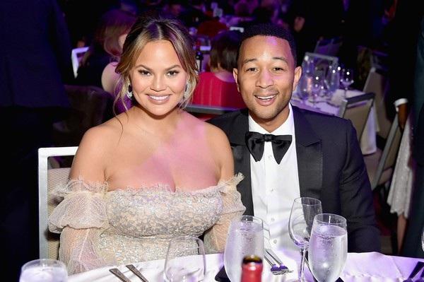 Người đẹp vẫn thường xuyên tham dự các sự kiện cùng chồng John Legend trong những ngày gần đây