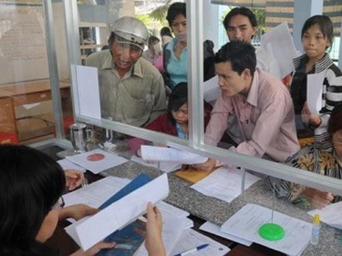3 tháng đầu năm: Gần 200.000 người nộp hồ sơ đăng ký thất nghiệp - 1