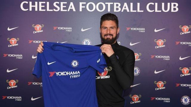 Olivier Giroud rạng rỡ ra mắt Chelsea - 1