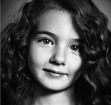 Cô bé Deva Cassel cũng may mắn sở hữu những đường nét xinh xắn, đáng yêu…