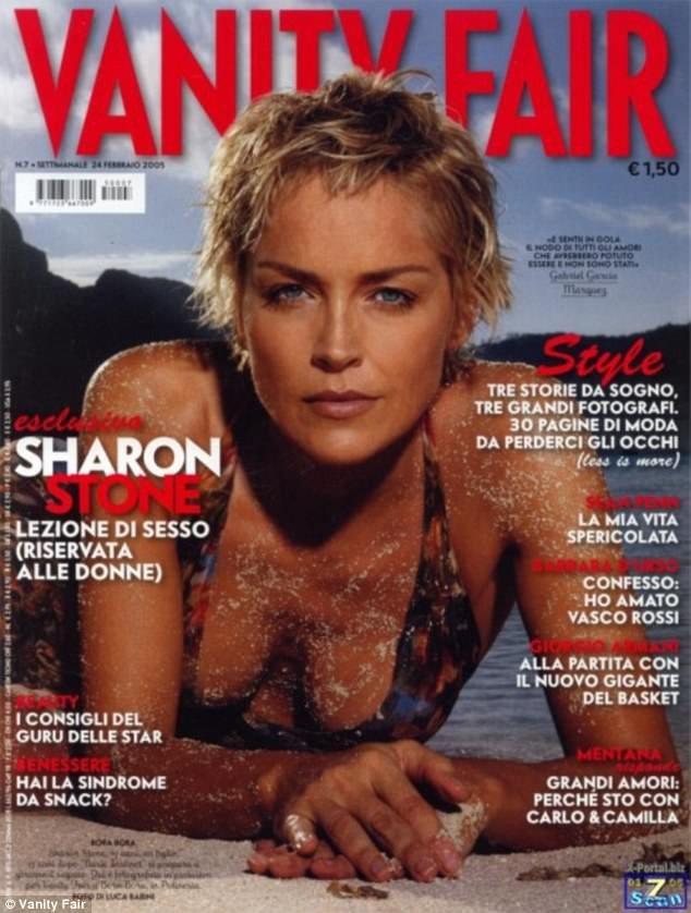 Cách đây đúng 13 năm, Sharon Stone cũng đã từng xuất hiện trên trang bìa của ấn bản Vanity Fair (Ý) hồi năm 2005.