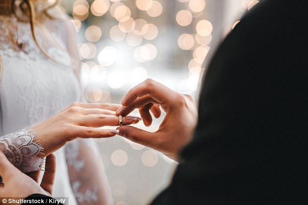 """Dù Valentine là ngày lãng mạn nhất năm, nhưng đó lại không phải ngày may mắn để bạn khởi đầu cuộc sống gia đình với """"một nửa""""."""