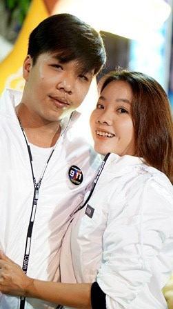 Bạn Minh Huy bên người yêu Huỳnh Như