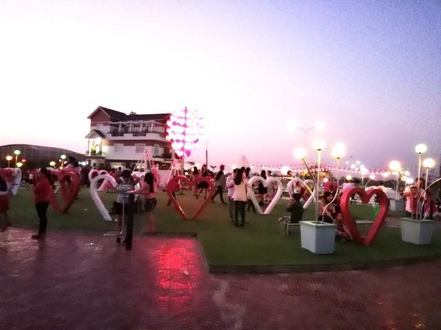"""""""Con đường tình yêu"""" của giới trẻ Bạc Liêu trong ngày Valentine - 5"""