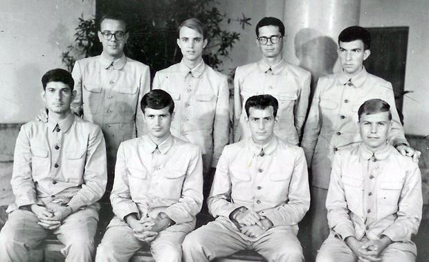 Các thành viên của thủy thủ đoàn Mỹ bị Triều Tiên bắt giữ năm 1968 (Ảnh: AP)