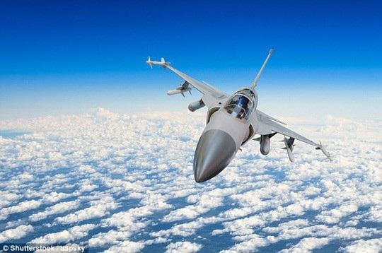 Máy bay siêu thanh thường được cho là nguồn cơn gây ra một số tiếng nổ bí ẩn. Ảnh: Shutterstock
