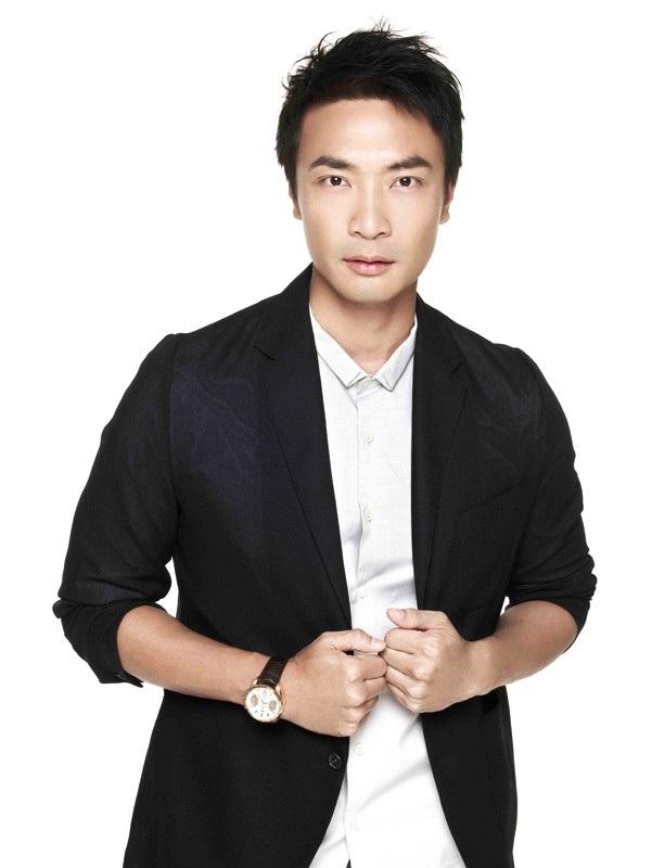 Nam diễn viên người Singapore - Trịnh Bân Huy (sinh năm Canh Tuất 1970)
