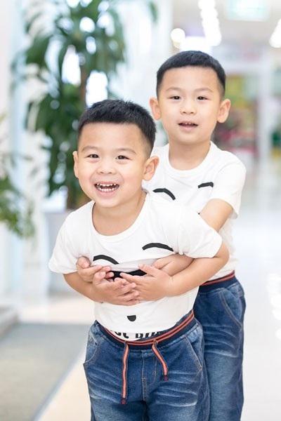 Hai con trai đáng yêu của ca sĩ Mỹ Dung.