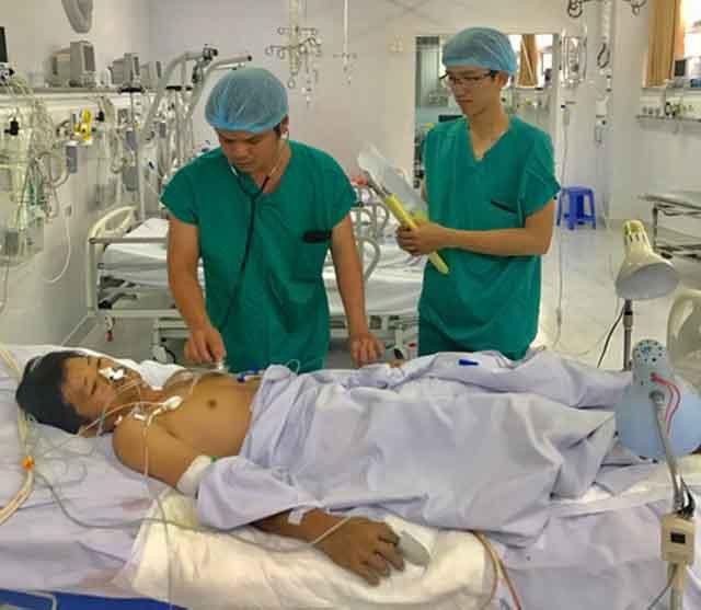 Hiện ông Trung đã qua cơn nguy kịch nhưng vẫn phải ở lại bệnh viện để các bác sĩ theo dõi và điều trị