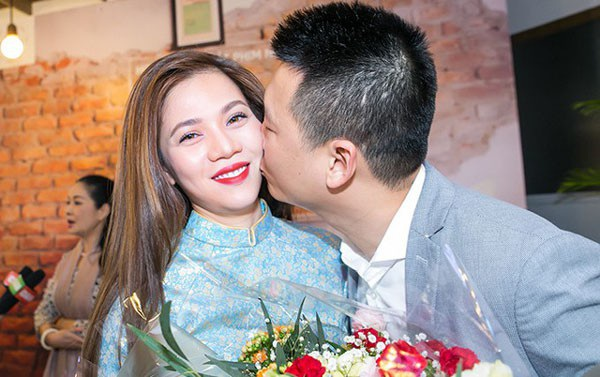 Mỹ Dung hạnh phúc được chồng yêu thương và ủng hộ công việc ca hát.