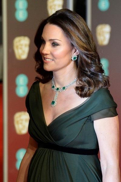 Angelina Jolie quyến rũ trên thảm đỏ - 27