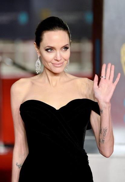 Minh tinh Angelina Jolie dự lễ trao giải của Viện Hàn lâm Nghệ thuật Điện ảnh và Truyền hình Anh quốc ngày 19/2 vừa qua