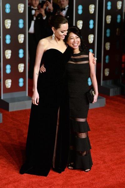 Angelina Jolie bên người bạn thân Loung Ung