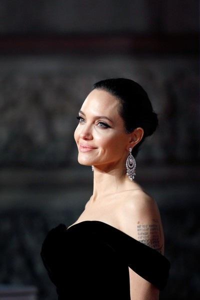 Angelina Jolie kín lịch dự sự kiện trong vài tháng gần đây