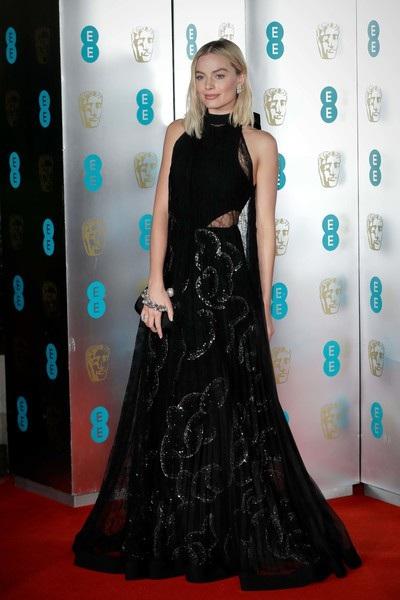 Margot Robbie đẹp tinh tế
