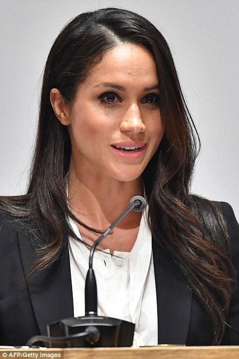 Nữ diễn viên Meghan Markle được khen ăn mặc có gu và tinh tế