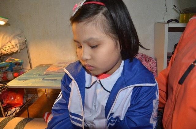 Thương bé gái 9 tuổi hiếu học mắc bệnh ung thư hạch - 3