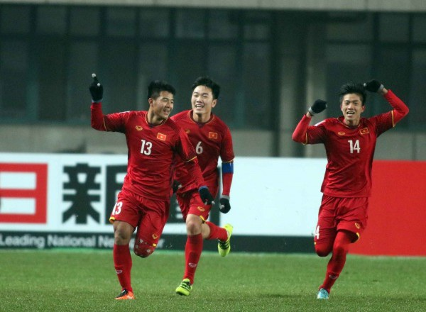 Bàn thắng đẹp mắt và ấn tượng của Hà Đức Chinh tại trận đấu với U23 Iraq khiến nhiều người vỡ òa, hạnh phúc.